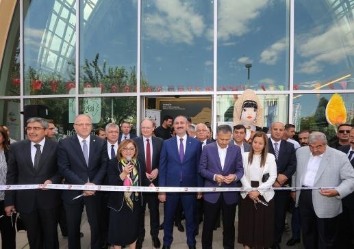 Dünya'nın ilk ve tek fıstık müzesi açıldı